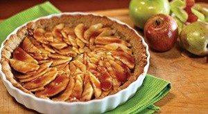 2012-nov-dec-gluten-free-salted-caramel-apple-pie-727x400